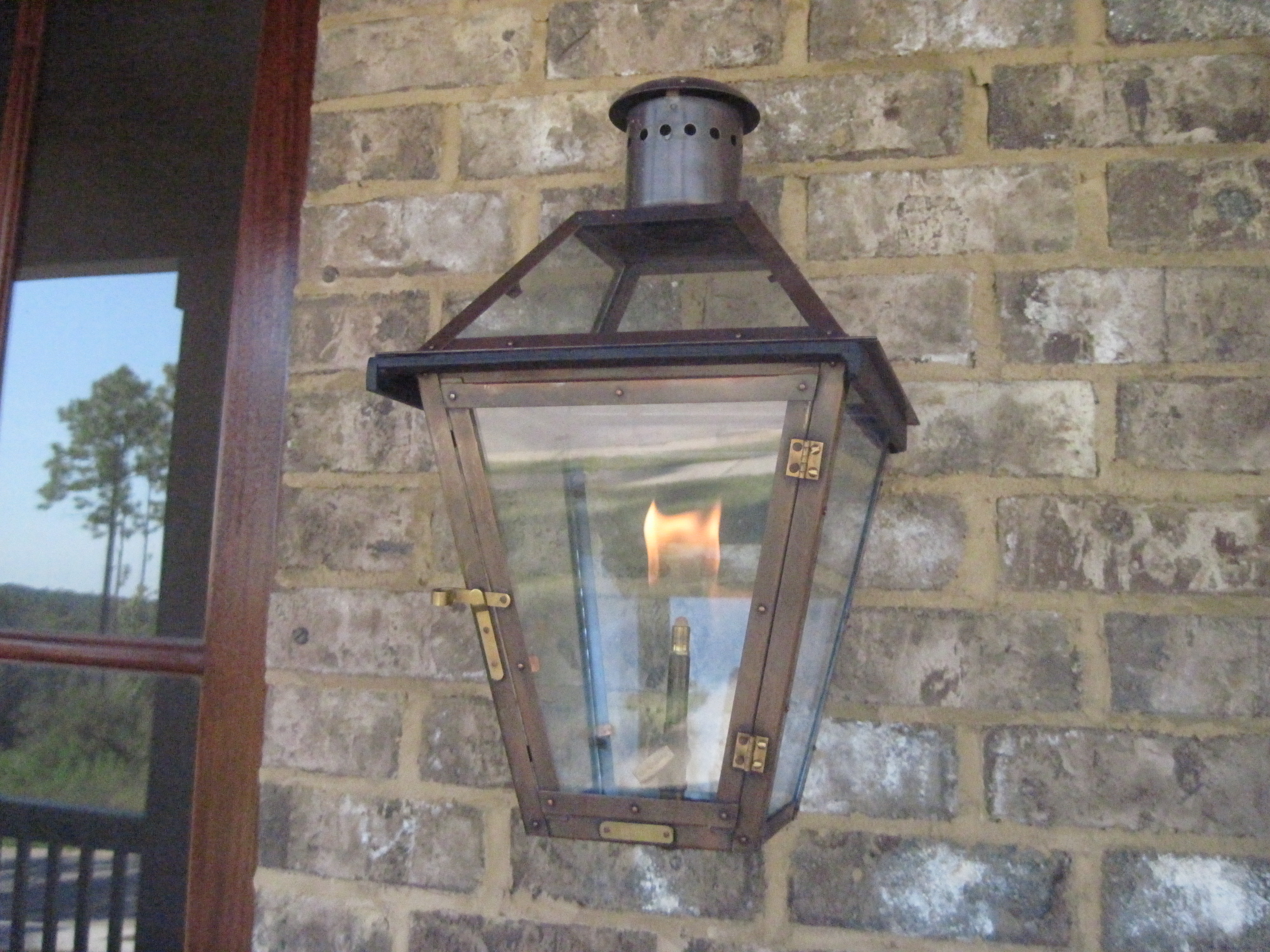 these gas lanterns are from bevolo a little new orleans flare for. Black Bedroom Furniture Sets. Home Design Ideas