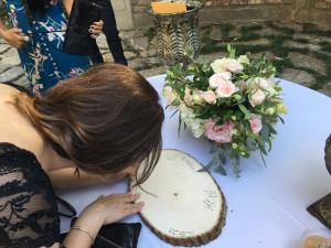 The guest book was a slice of tree . . . cool
